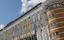Prelude | Triënnale | 70 Banieren aan het stadhuis